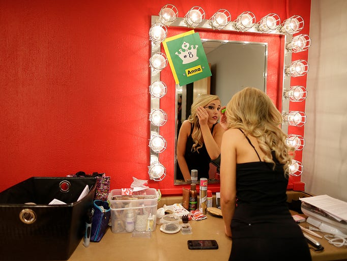 beauty-pagent-dressing-room-pics
