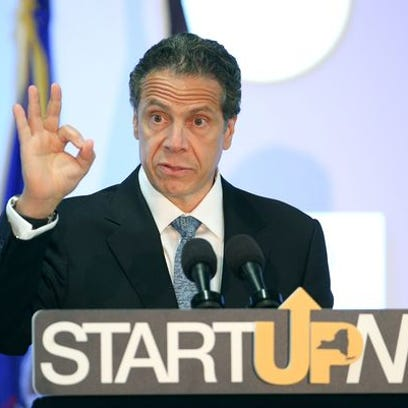 Gov. Andrew Cuomo visits RIT to discuss the START-UP NY program in 2015.