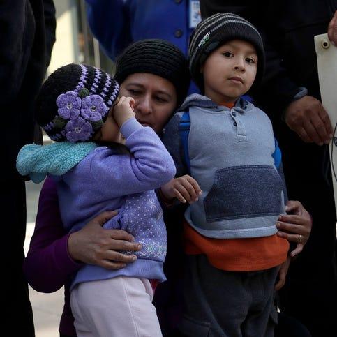 ACLU: Muchos niños no regresarán con sus familias en plazo