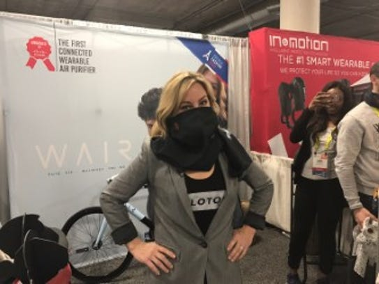 Jennifer Jolly tries out the Wair anti-pollution scarf.