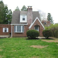 $129,900, School District: York Suburban, Bedrooms: 2, Bathrooms: 1