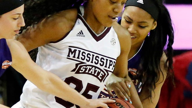 Mississippi State forward Victoria Vivians scored 22 points in a 76-point victory.