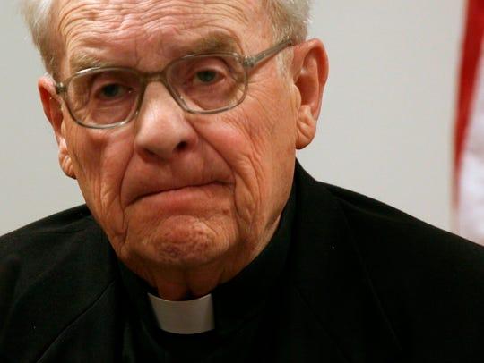 Former Seattle Archbishop Raymond Hunthausen died Sunday