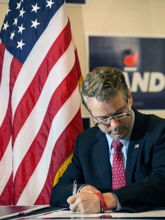 635844923984530753-Rand-Paul-files-for-presidential-caucus--PEARL-10.JPG