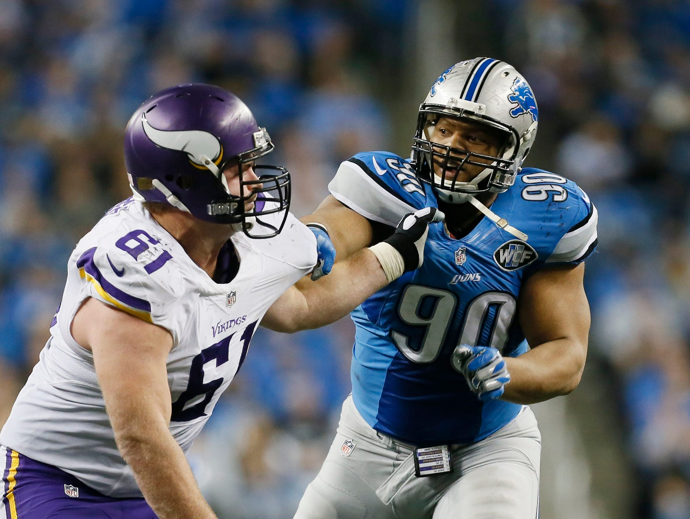 Detroit Lions defensive tackle Ndamukong Suh goes up