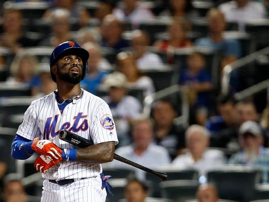 New York Mets shortstop Jose Reyes (7) reacts to striking