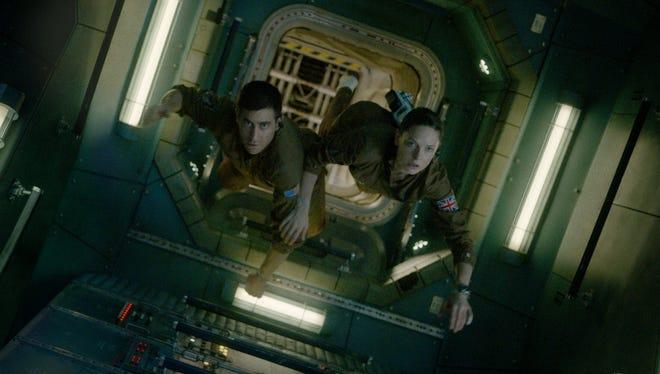 David Jordan (Jake Gyllenhaal) and Miranda North (Rebecca Ferguson) are the last astronauts standing in sci-fi movie 'Life.'
