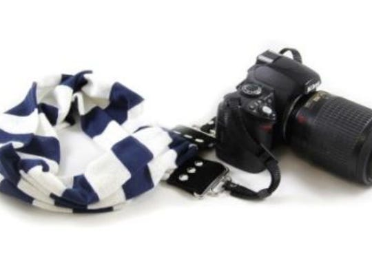 Help your photographer express themselves with these beautiful, colorful and comfortable straps from Capturing Couture.