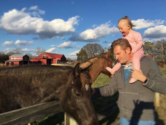 Rory Feek and daughter Indiana, 2, visit Joey Feek's
