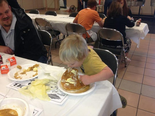 Kiwanis Club of West Monroe hosts their annual Pancake