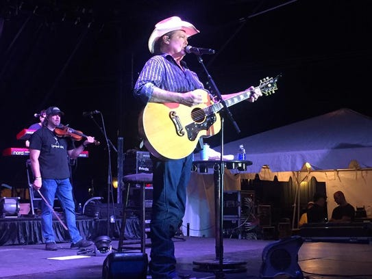 Country music star Tracy Lawrence performs at the Martin