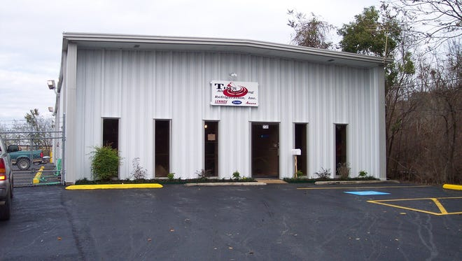 Tim's Air Conditioner & Refrigeration employs 18 people, serving Lafayette, New Iberia and Broussard and anyone else within a 50-mile radius of Lafayette.