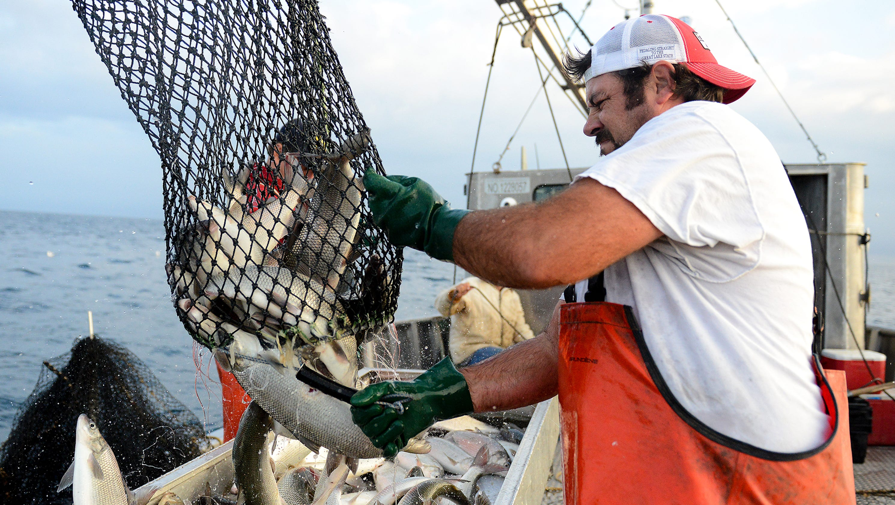 Photos commercial fishing on the great lakes for What is commercial fishing
