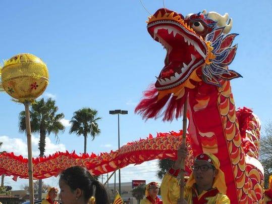 635603035267570113-Dragon-Parade-Lunar-New-Year-Festival-2015--Dragons-prese