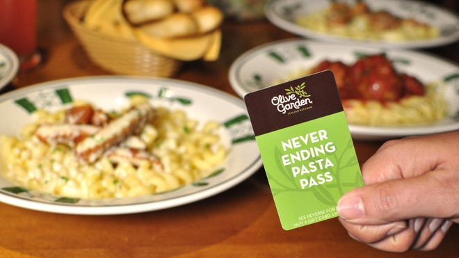 Olive Garden's Never Ending Pasta Bowl allows owners, for $100, to eat unlimited pasta for seven weeks. Blogger Vino is taking full advantage.