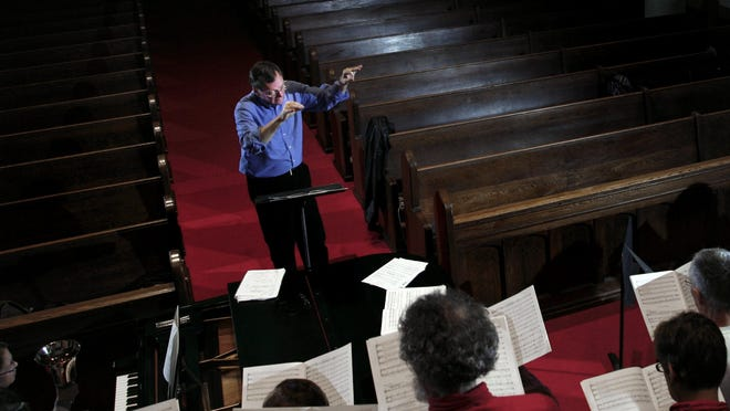 The Lange Choral Ensemble presents its annual Christmas Concert at 3 p.m. Sunday at the Molly Grove Chapel at First Presbyterian Church, at 510 West Ottawa St. in Lansing.