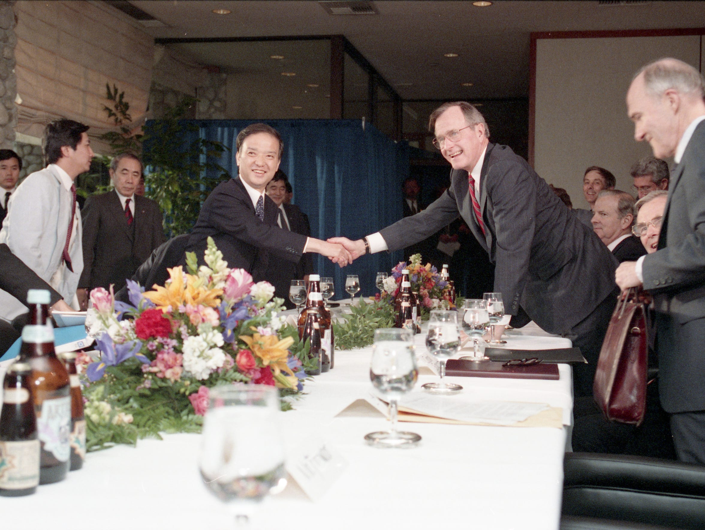 President George Bush and Japanese Prime Minister Toshiki