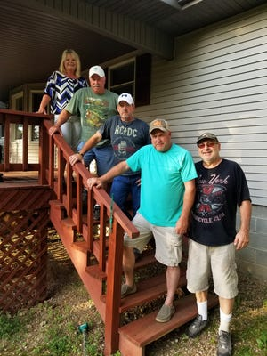 The Leslie Williams Band will perform this weekend at Yellville's Music on the Square.