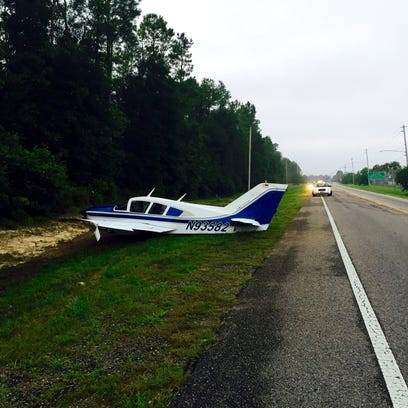 This single-engine Cessna plane made an emergency landing