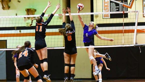 Ellen Hamlin (5) of Northern Valley/Demarest girls volleyball.