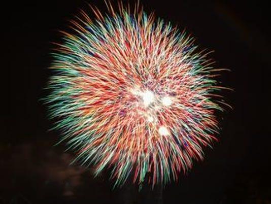 636662970991606562-Fireworks1.jpg