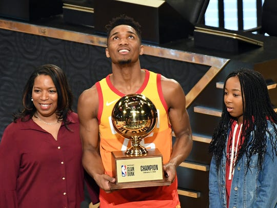 Feb 17, 2018; Los Angeles, CA, USA; Utah Jazz guard