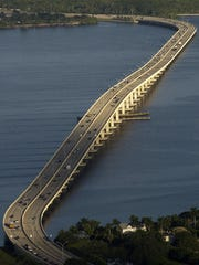 The Midpoint Memorial Bridge in 2002.