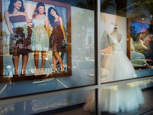 Alfred Angelo closings: Women offer wedding gowns to panicked brides
