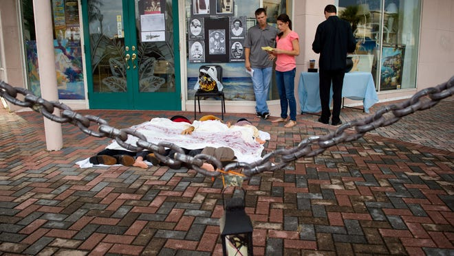 """The 2015 Main Street Fort Pierce """"Ghosts of Fort Pierce Past"""" historic walking tour event was a popular attraction in downtown Fort Pierce."""