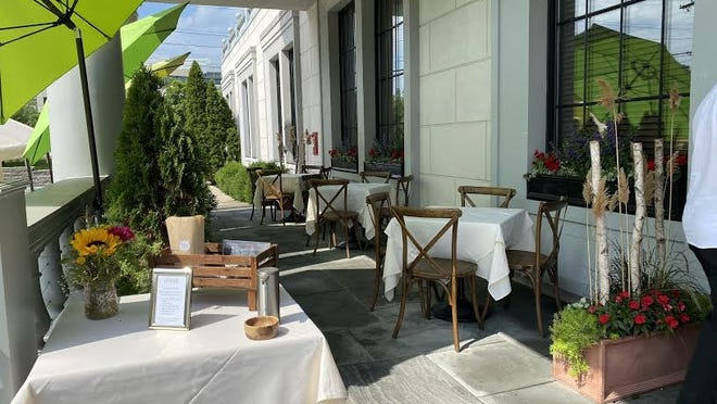 L'Andana has set up service on its outdoor patio to meet the state's COVID-19 restrictions.