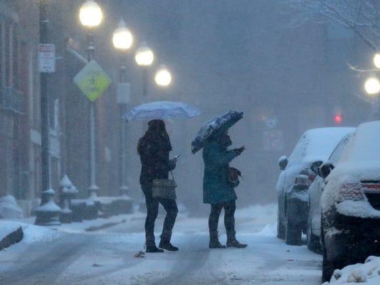 AP NEW ENGLAND SNOW BOSTON A WEA USA MA