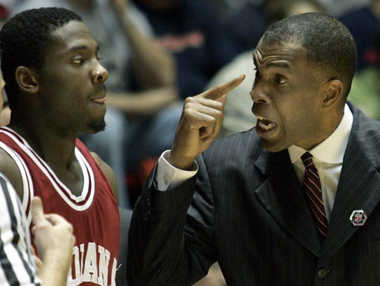 IU coach Mike Davis tells Roderick Wilmont to use his