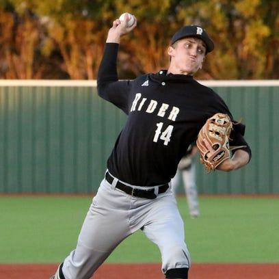 Rider's Logan Wissinger pitches against Wichita Falls