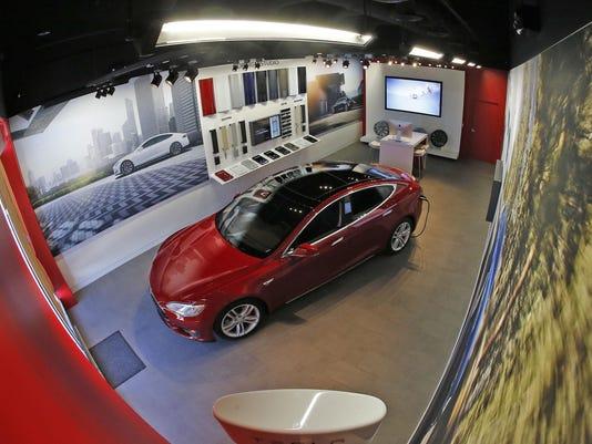 Tesla Gallery 08
