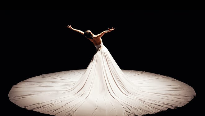 Jessica Lang Dance performing The Calling, excerpt from Splendid Isolation II.