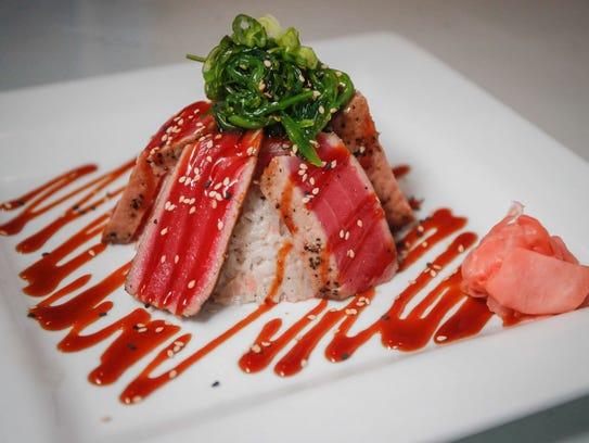 Restaurant Review Blu Thai Offers Sprawling Menu But