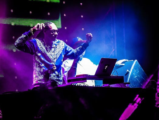 Snoop Dogg plays at the  Movement Electronic Music