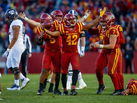 Iowa State Cyclones linebacker Marcel Spears Jr. (42)