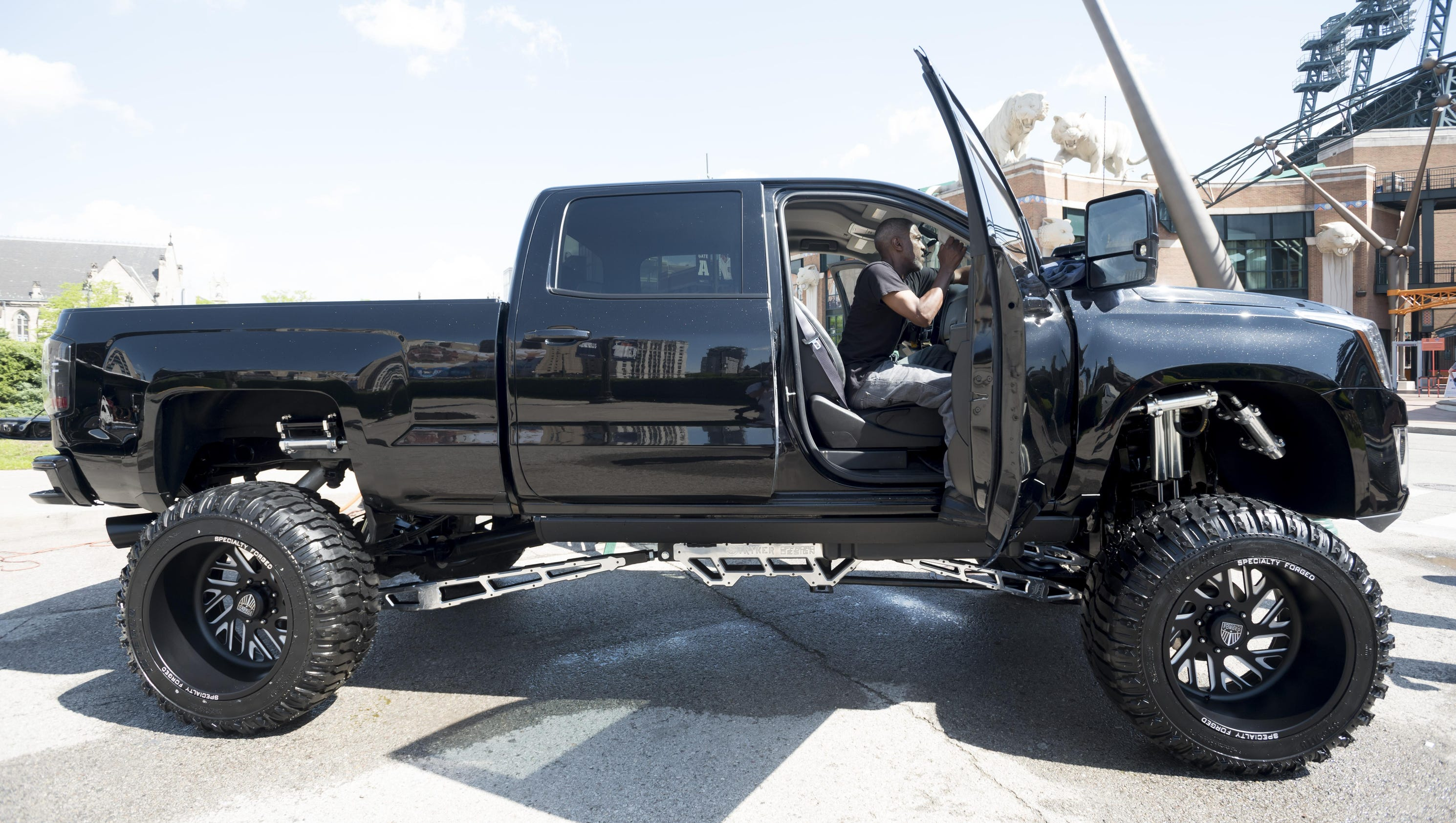 Cabrera's truck gets starring role on 'Diesel Brothers'