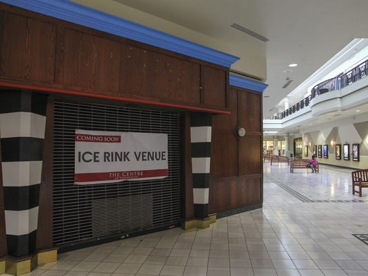 Centre of Tallahassee mall.