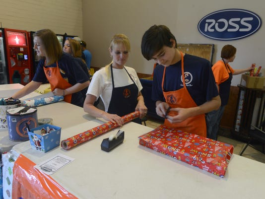 Escambia High Band Gift Wrapping 1