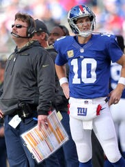 Giants coach Ben McAdoo criticized Eli Manning for