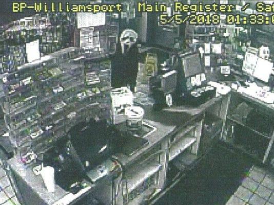 636613892315555861-bp-robbery.JPG