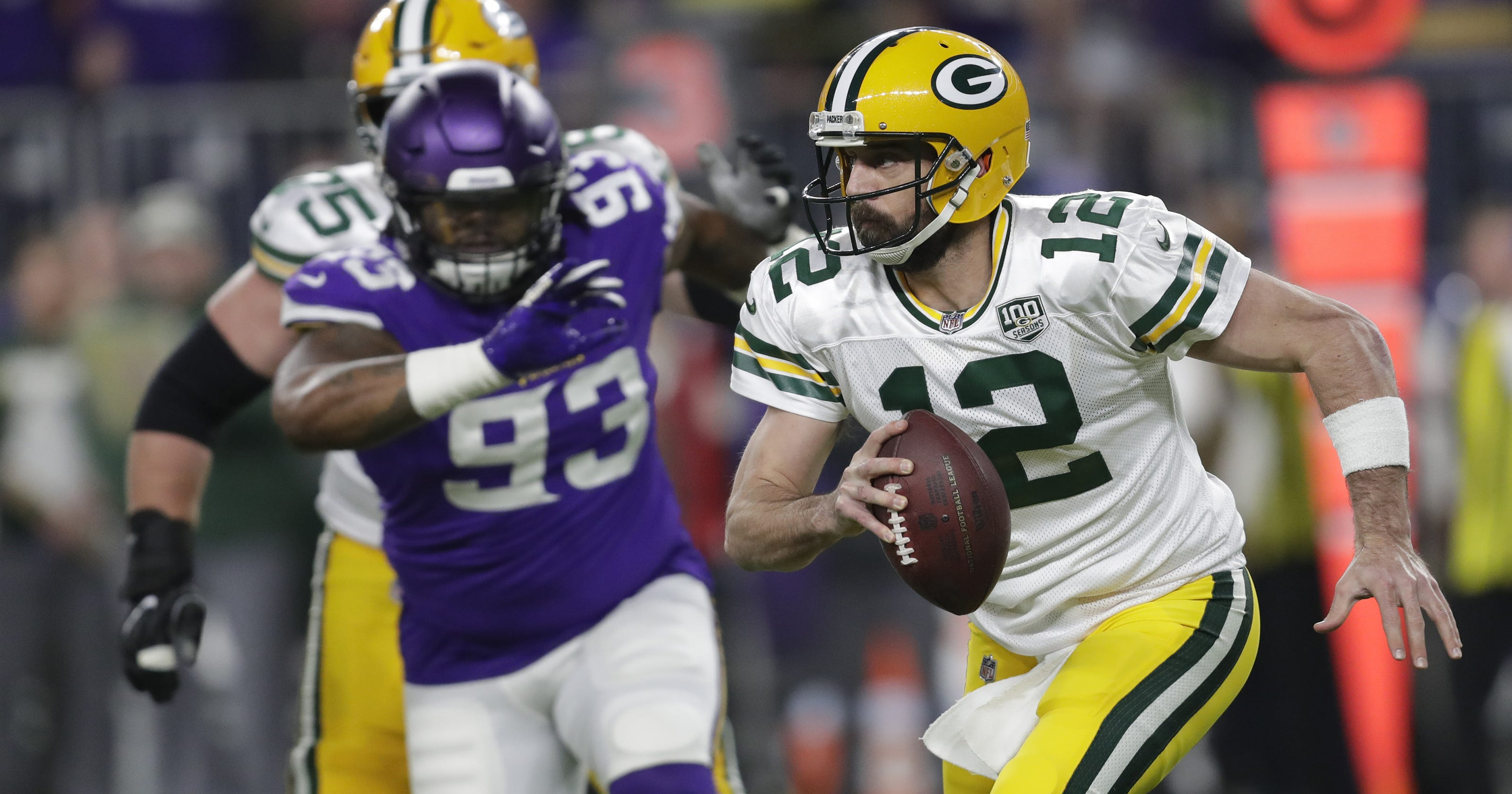 c5616035 Packers' offense ignoring open receivers in pursuit of big plays