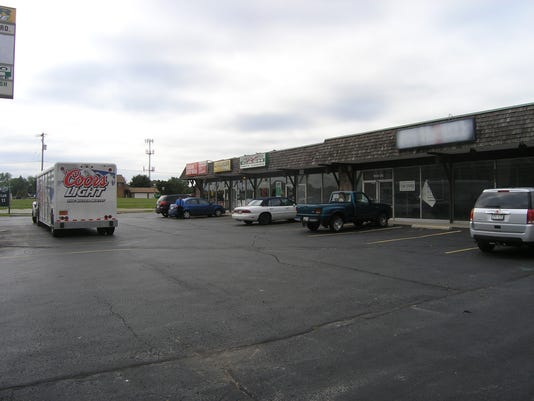 -Strip center, S. Ridge Road.JPG_20140918.jpg