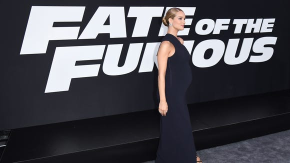 Huntington-Whiteley is a pregnancy style star.