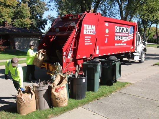 1 cnt trash hauler