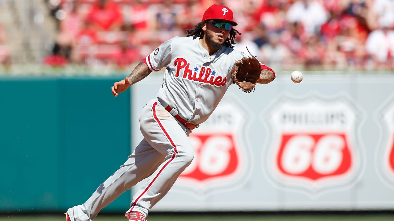 Galvis discusses hitting homer hours after birth of second child