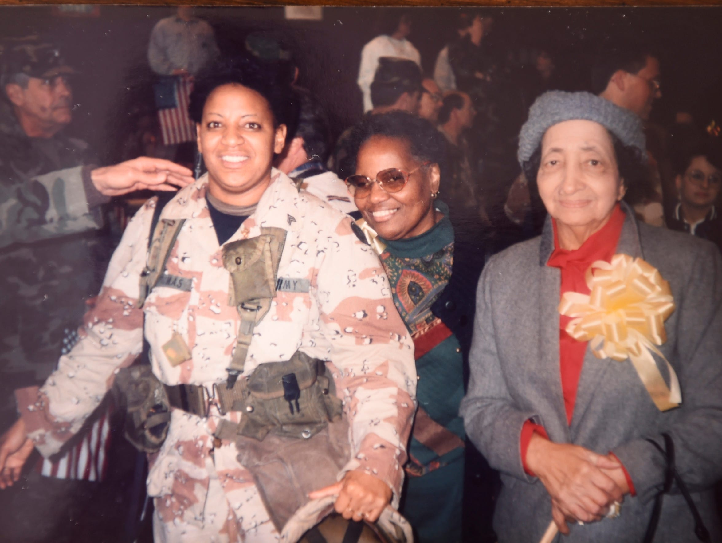 Phyllis Thomas, photographed with her family, served