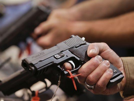 636480018114637648-RENBrd-01-16-2013-RGJ-1-A003-2013-01-15-IMG-ren0116-Gun-show-1-1-1-GV36DFN0-IMG-ren0116-Gun-show-1-1-1-GV36DFN0.jpg
